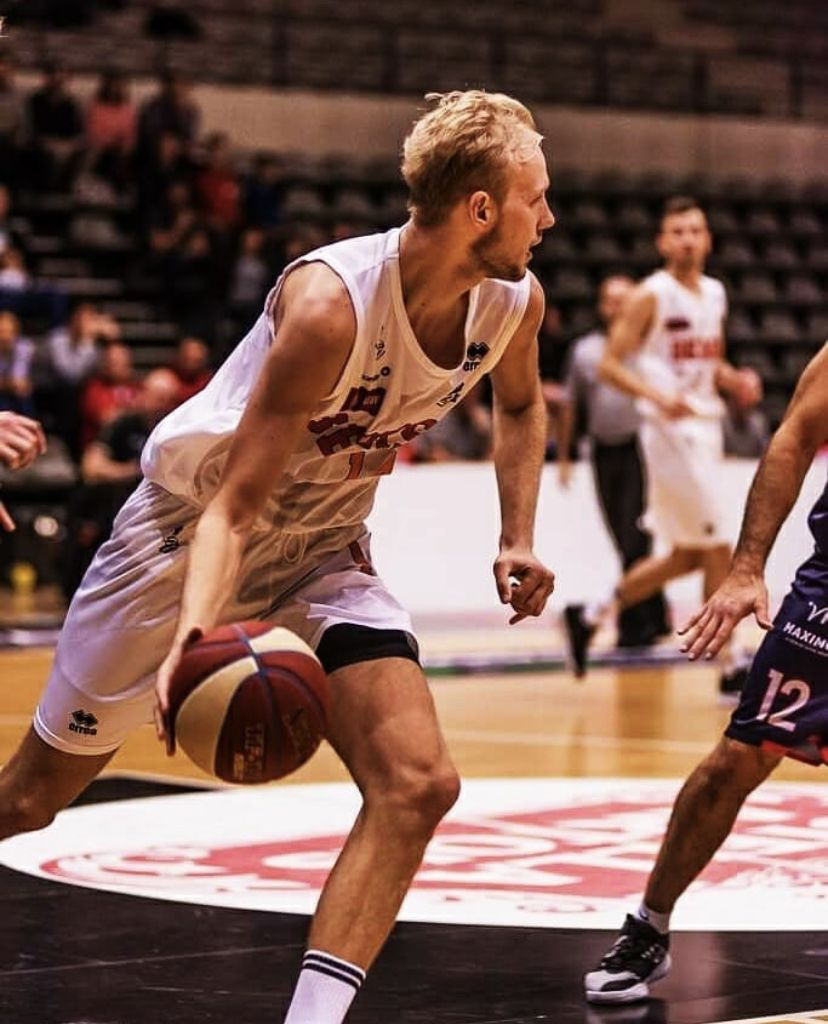 Assisting Spirou Basket in signing Tim Lambrecht